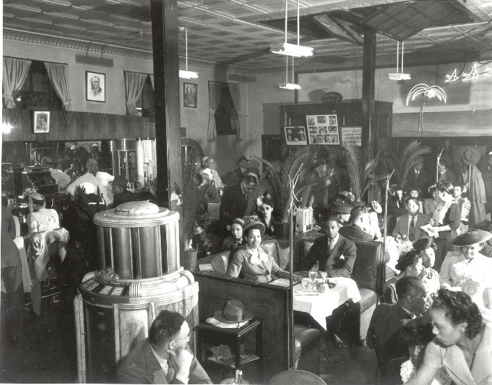 Dining in the Palm Tavern in the 1940s